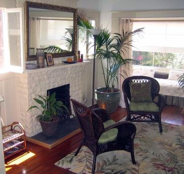 H05 Cottage Living Room
